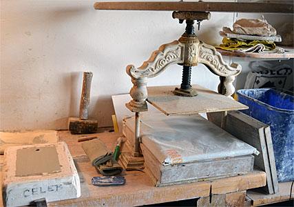 1305 ceramics press h300